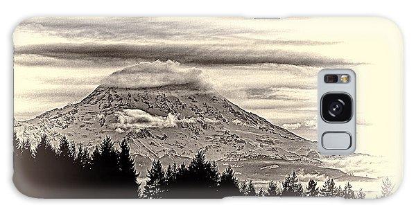 Mt. Rainier Wa In Black And White Galaxy Case