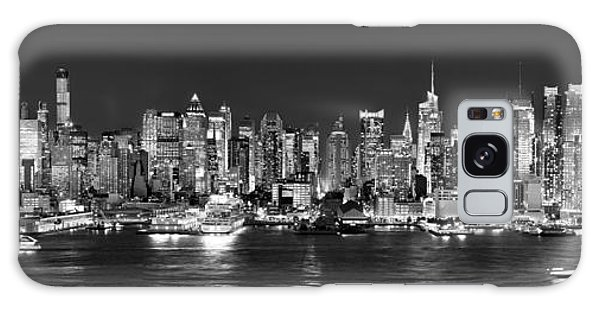 New York City Nyc Skyline Midtown Manhattan At Night Black And White Galaxy S8 Case