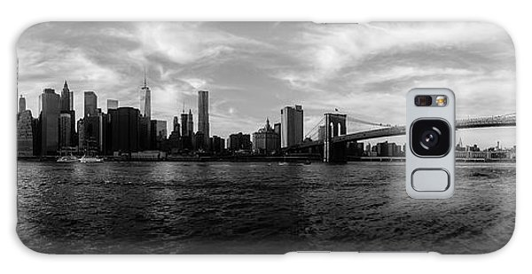 Center Galaxy Case - New York Skyline by Nicklas Gustafsson