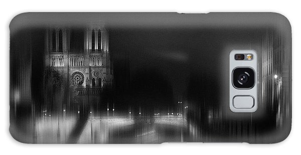 Universities Galaxy Case - Nigth - Catha?drale Notre Dame by Sol Marrades