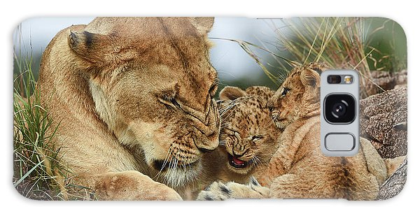 Safe Galaxy Case - Nostalgia Lioness With Cubs by Aziz Albagshi