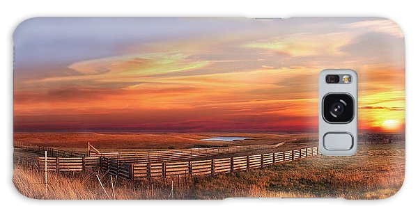 November Sunset On The Cattle Pens Galaxy Case