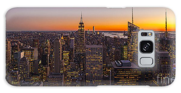 Town Square Galaxy Case - Nyc Top Of The Rock Sunset by Mike Reid
