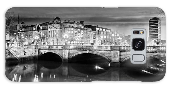 Galaxy Case featuring the photograph O Connell Bridge At Night - Dublin - Black And White by Barry O Carroll