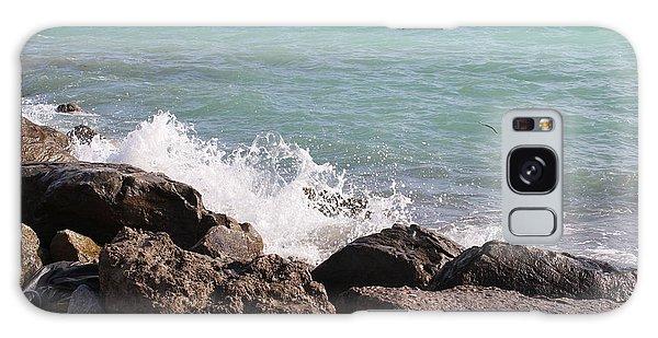 Ocean Spray On Rocks Galaxy Case