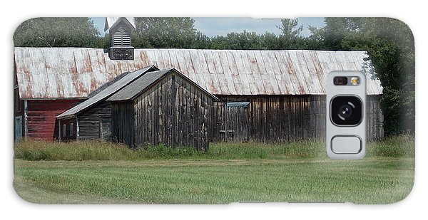 Old Barn In Vermont Galaxy Case