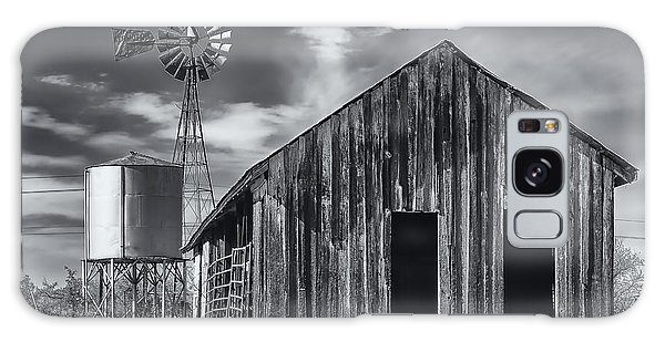 Old Barn No Wind Galaxy Case