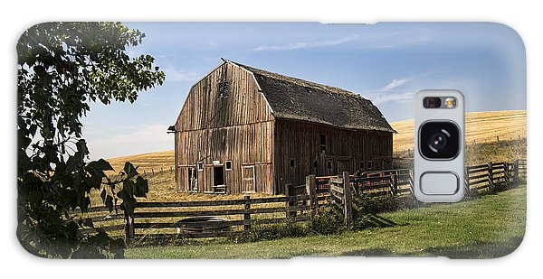 Old Barn On The Palouse Galaxy Case