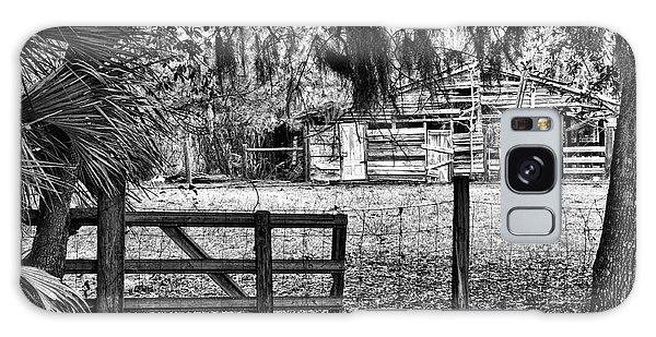 Old Chisolm Island Barn Galaxy Case