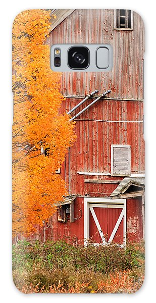 Old Dilapidated Country Barn During Autumn. Galaxy Case