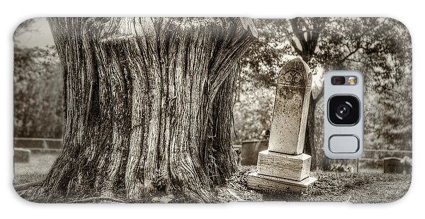 Cemetery Galaxy Case - Old Friends by Scott Norris
