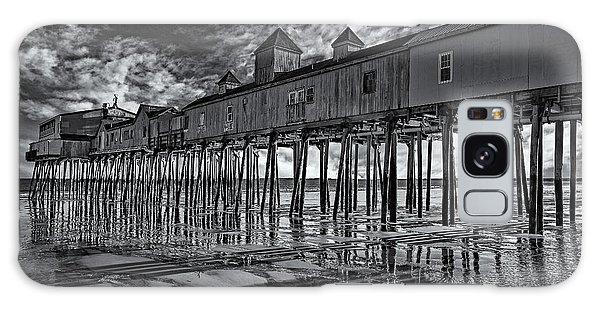 Galaxy Case featuring the photograph Old Orchard Beach Pier Bw by Susan Candelario