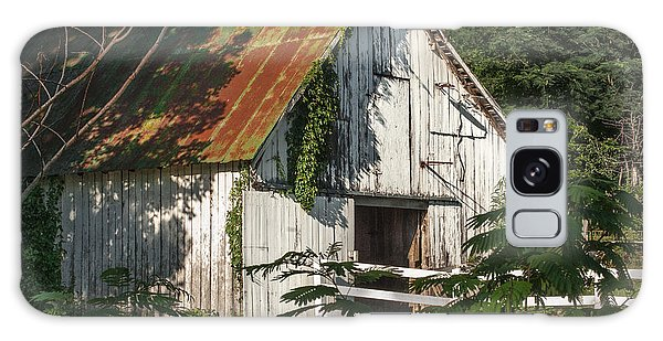 Old Whitewashed Barn In Tennessee Galaxy Case