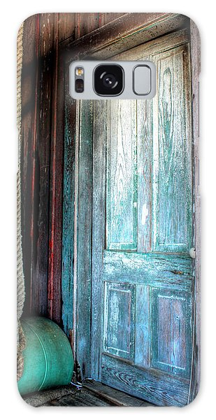 Old Wooden Door Galaxy Case