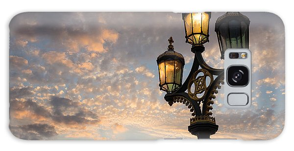 One Light Out - Westminster Bridge Streetlights - River Thames In London Uk Galaxy Case