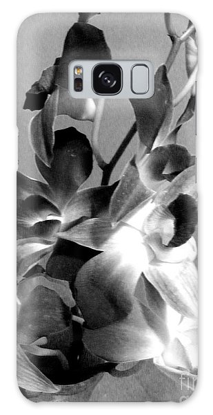 Orchids 2 Bw Galaxy Case