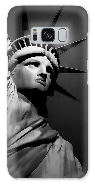 Our Lady Liberty In B/w Galaxy Case