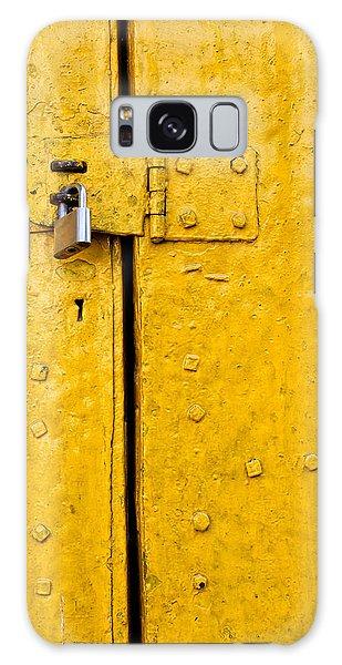 Padlock On An Old Yellow Door Galaxy Case