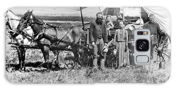 Nebraska Galaxy Case - Pioneer Family And Wagon by Underwood Archives