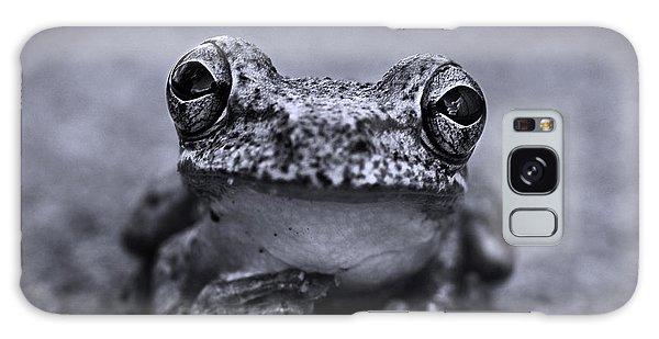 Pondering Frog Bw Galaxy Case
