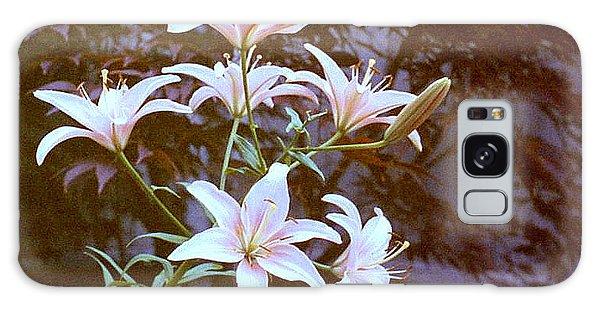 Purple/white Lily Galaxy Case