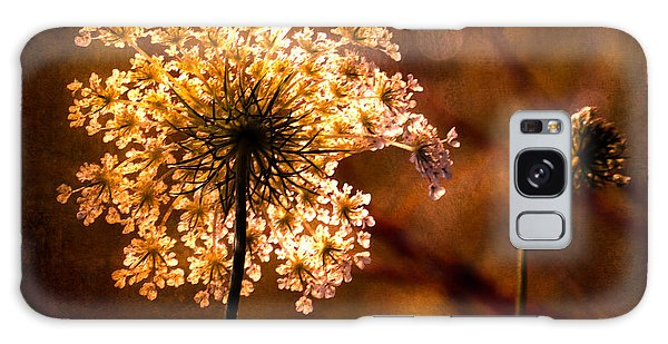 Queen Annes Lace Vintage Galaxy Case