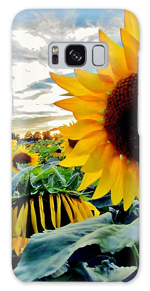 Raisingluminescence Raising Above The Crowd  Galaxy Case