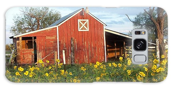 Red Barn With Wild Sunflowers Galaxy Case