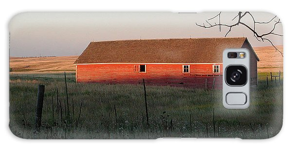 Red Granary Barn Galaxy Case