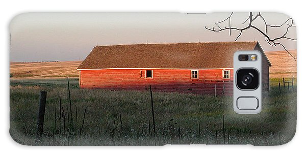 Red Granary Barn Galaxy Case