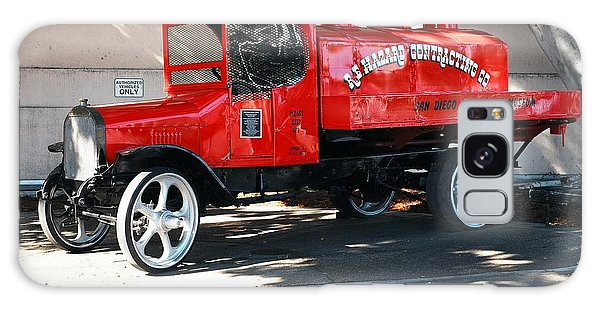 Restored 1922 Mack Truck Galaxy Case