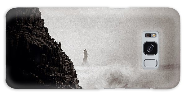 Sea Stacks Galaxy Case - Reynisdrangar by Dave Bowman