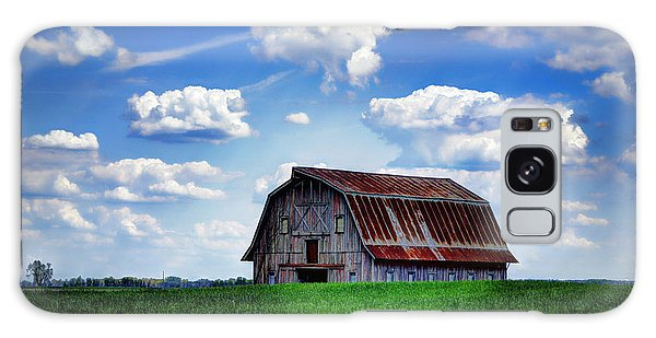 Riverbottom Barn Against The Sky Galaxy Case
