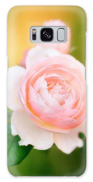 Hybrid Galaxy Case - Rose Flowers (rosa Hybrid) by Maria Mosolova/science Photo Library