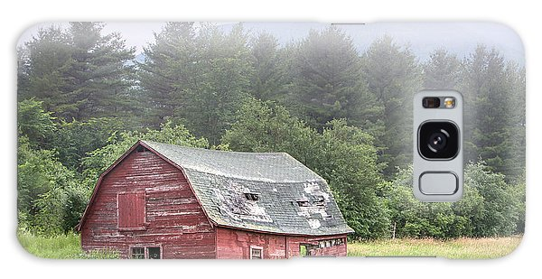 Rustic Landscape - Red Barn - Old Barn And Mountains Galaxy Case