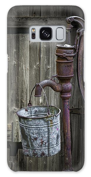 Rusty Hand Water Pump Galaxy Case