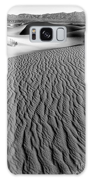 Sand Dunes - Bw Galaxy Case