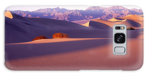 Sand Dunes In Death Valley Galaxy Case