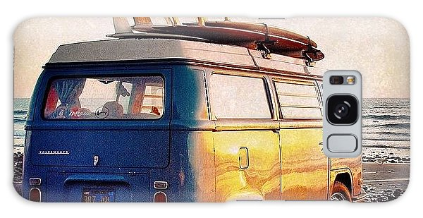 Vw Bus Galaxy Case - Surf Parking by Hal Bowles