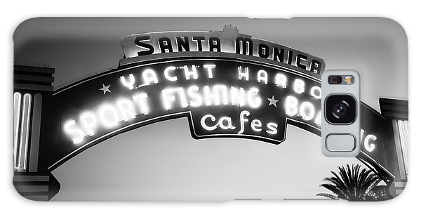 Santa Monica Galaxy S8 Case - Santa Monica Pier Sign In Black And White by Paul Velgos
