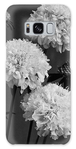 Scabiosa Peace Flowers Galaxy Case
