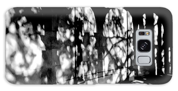 Shadow Play - Black And White Galaxy Case