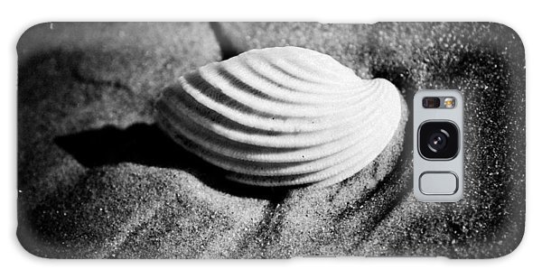 Shell On Sand Black And White Photo Galaxy Case