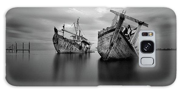 Long Exposure Galaxy Case - Shipwreck by Abi Danial