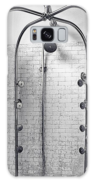 Showerfall Galaxy Case