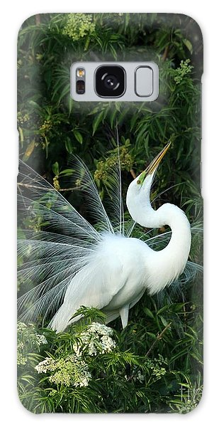 Showy Great White Egret Galaxy Case