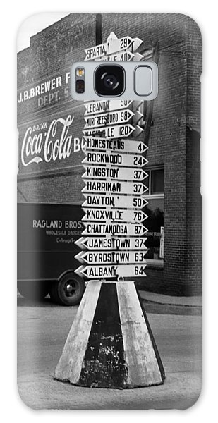 Crossville Galaxy S8 Case - Sign Post In Crossville Tennessee 1939 by Mountain Dreams