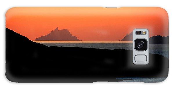 Puffin Galaxy S8 Case - Skellig Islands  by Aidan Moran
