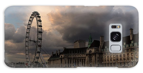 Sky Drama Around The London Eye Galaxy Case