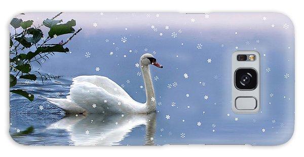 Snow Swan  Galaxy Case